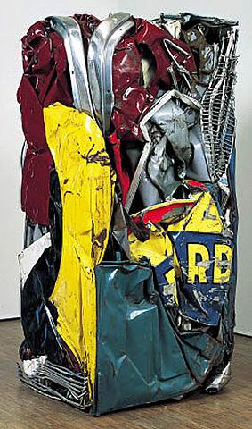 Ricard, César, 1962 Compression dirigée d'automobile, 153 x 73 x 65 cm Source et ©cesarbaldaccini.blogspot.fr/