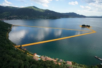 Christo, The Floating Piers, 2016. Photo: Wolfgang Volz.