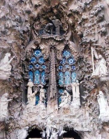 Antoni Gaudi, Cathédrale de Barcelone, Sagrada Familia, détail de la façade de la Nativité (Junta Constructora del Temple Expiatori de la Sagrada Familia)