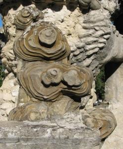 Palais Idéal du facteur Cheval, la pierre d'achoppement