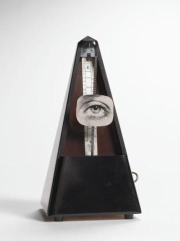 Man Ray, Indestructible objet (objet à détruire), 1923 / 1959, Métronome et collage de photographie, 22,2 x 12 x 11 cm© Man Ray Trust / Adagp, Paris