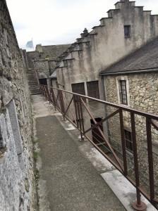 Château - Chemin de ronde et pointe du cavalier