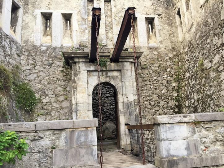 Château - Pont-levis à cornes