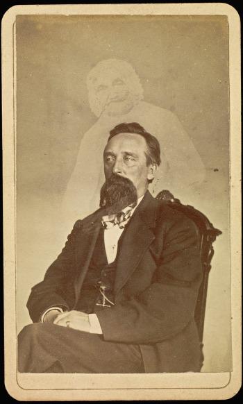 William H. Mumler, John G. Glover, épreuve sur papier albuminé, 9,5 x 5,7cm, entre 1862 et 1875. Londres, The College of Psychic Studies