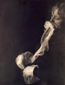 Albert Von Schrenck-Notzing, médium avec un voile ectoplasmique, 23 juin 1913