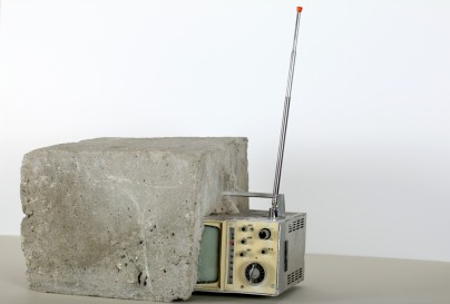 Wolf Vostell, Endogen Depression, Concrete TV, 1980. 40 x 30 x 22 cm