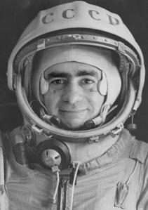 Joan Fontcuberta, Série Sputnik, Portrait officiel du colonel Ivan Istochnikov, 1967