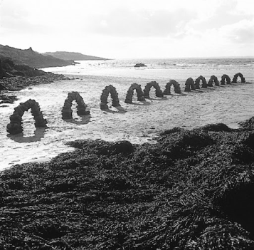 A. Goldsworthy. Eleven Arches. Octobre 1995. ©Andy Goldsworthy, permission de la Galerie Lelong, New York
